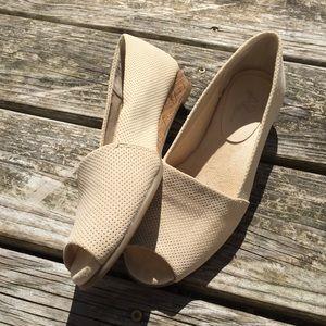 A2 Aerosoles Castanet Peep Toe Low Wedge Shoes